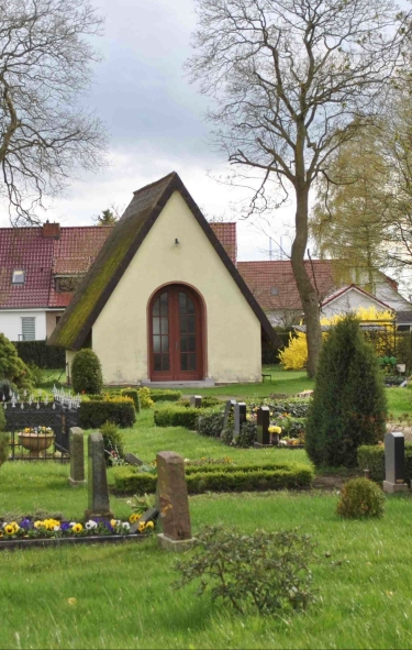 Neuer Friedhof mit Trauerhalle